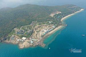 Toàn cảnh công trình không phép lấp đất đá lấn biển vịnh Nha Trang