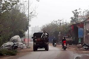 Bãi vật liệu xây dựng tiềm ẩn nguy cơ mất an toàn giao thông