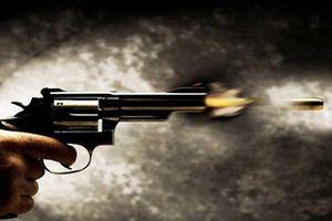 Khởi tố nam thanh niên vô ý bắn chết bạn vì nghĩ súng không còn đạn