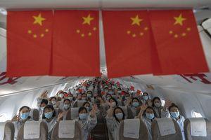 Các nhân viên y tế 'anh hùng' rời Vũ Hán sau dịch Covid-19