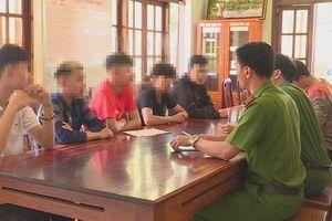 Chỉ vì tiếng nẹt pô, nhóm thiếu niên hỗn chiến khiến một nạn nhân bị mù mắt