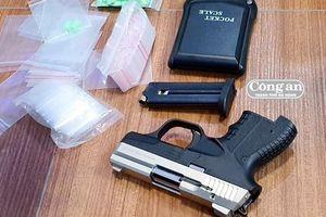 'Trùm ma túy' thủ súng để phòng thân!