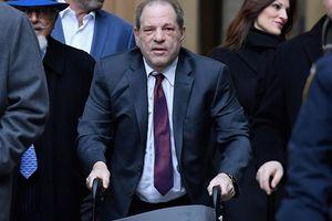 'Ông trùm Hollywood' Harvey Weinstein nhiễm nCoV trong tù