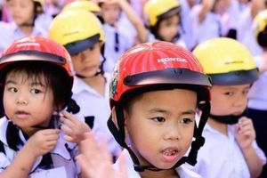 'Giữ trọn ước mơ' trao gần 4 triệu mũ bảo hiểm đạt chuẩn cho trẻ em