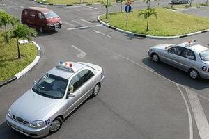 Giáo viên dạy lái xe dùng bằng giả: 'Lỗ hổng' trong đào tạo
