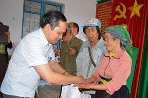 Hàng trăm hộ dân ở xã khó khăn xin thoát nghèo với lý do 'đặc biệt'