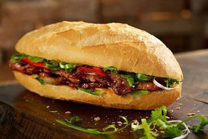 Bánh mì Việt Nam - Món ăn đường phố được thế giới gọi tên
