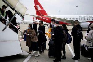 Sinh viên Trung Quốc chạy trốn virus khỏi Mỹ phải trả 20.000 USD/vé máy bay