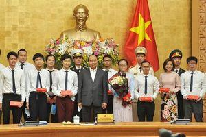 Thủ tướng gặp mặt các Gương mặt trẻ Việt Nam tiêu biểu năm 2019