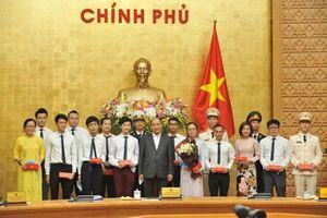 20 gương mặt trẻ Việt Nam 2019 trích tiền thưởng ủng hộ chống Covid-19, hạn mặn