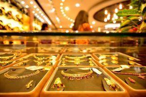 Giá vàng suy giảm trước sự phục hồi của thị trường chứng khoán