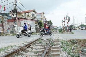 Mạnh tay xử lý lối đi tự mở qua đường sắt