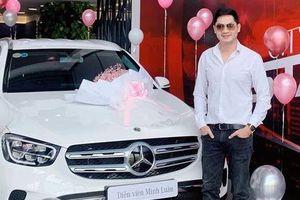 Minh Luân mua xe 2 tỷ đồng