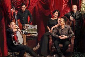 Diva Mỹ Linh hát theo yêu cầu của khán giả trong đêm nhạc trực tuyến