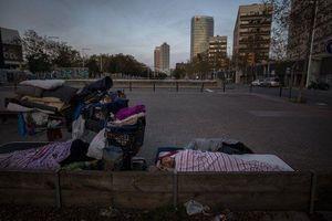 Người vô gia cư đơn độc giữa lệnh phong tỏa tại Tây Ban Nha