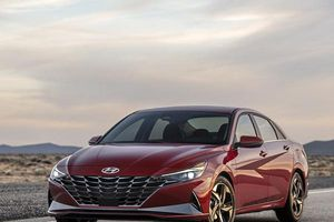 Hyundai Elantra 2021 'lột xác' với công nghệ mới