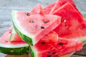Sai lầm khi ăn dưa hấu khiến chất bổ mất đi, dễ bị ngộ độc thực phẩm