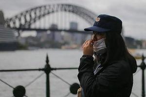 Số ca mắc Covid-19 tăng chóng mặt tại Australia