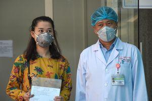 50 y tá, bác sĩ trực 24/24 cứu 3 bệnh nhân nhiễm Covid-19 ở Đà Nẵng