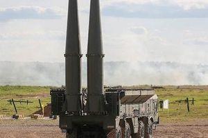 Hệ thống tên lửa Iskander-M phá hủy mục tiêu của 'địch'