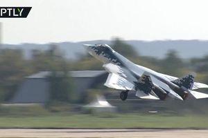 Máy bay 'tốt nhất thế giới' của Nga phô diễn kỹ thuật khó