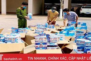 Hà Tĩnh: Bắt 2 ô tô vận chuyển 50.000 khẩu trang không rõ nguồn gốc
