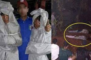 Giả ma dọa dân làng, 2 thanh niên bị bắt ra nghĩa trang nằm ngủ cả đêm cho chừa thói đùa dai