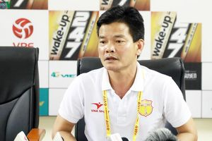 HLV Văn Sỹ chỉ ra điểm bất cập ở phương án cứu V-League 2020 của VPF