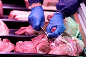 Tăng nhập khẩu có kéo giá thịt lợn xuống?