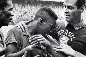 Cái chết ám ảnh của người bạn vua bóng đá Pelé