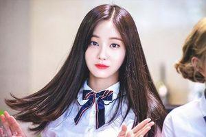Yeonwoo bị chỉ trích vì chia sẻ kiến nghị vụ phòng chat tình dục