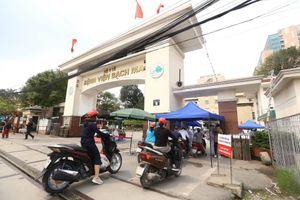 Hà Nội khẩn trương ứng phó với ổ dịch Bệnh viện Bạch Mai