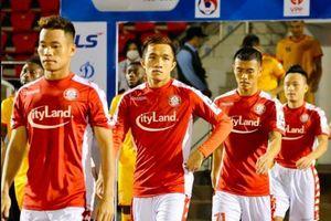 Cầu thủ Việt Nam nguy cơ bị giảm lương, mất việc vì dịch Covid-19
