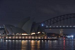 Hình ảnh tắt đèn trên toàn thế giới trong Giờ Trái đất 2020