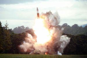 Thủ tướng Nhật Bản chỉ đạo phân tích vụ phóng tên lửa của Triều Tiên