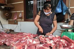 40.000 tấn thịt lợn nhập về Việt Nam, từ 1/4 phải giảm về 70 ngàn/kg
