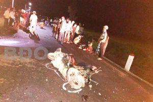 2 xe máy tông trực diện, 3 thanh niên tử vong