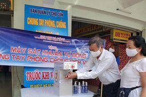 Thầy trò chế tạo máy sát khuẩn tặng các chợ chống COVID-19