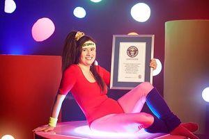 Nữ giáo viên lập 13 kỷ lục Guinness, giảm 34 kg nhờ game