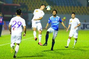Nhiều đội bóng ủng hộ V-League đá tập trung tại miền Bắc