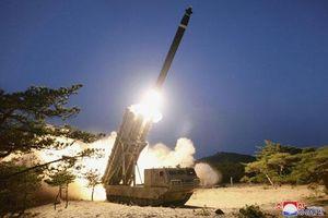 Triều Tiên thử nghiệm hệ thống pháo phản lực siêu lớn