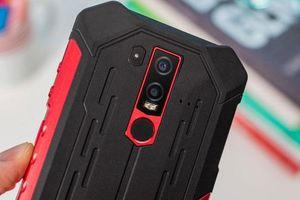 Cận cảnh smartphone chống nước, độ bền chuẩn quân đội, pin 5.000 mAh, giá hơn 4 triệu