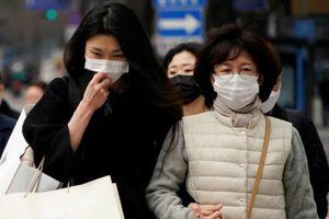2 mẹ con bị kiện vì nhiễm virus corona vẫn cố đi du lịch