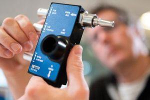 Kĩ sư xe đua F1 giúp chế tạo thiết bị trợ thở cho bệnh nhân Covid-19