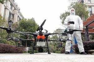 Sử dụng drone để 'chiến đấu' với đại dịch Covid-19