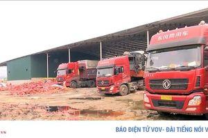 Kiểm hóa cửa khẩu Lào Cai: Quá tải, nhếch nhác, buông lỏng chống dịch