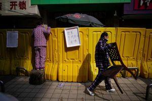 Những tiếng hô lớn vượt rào phong tỏa ở Vũ Hán trước giờ G