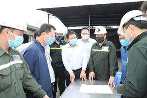 Tụt vỉ chống lò khiến 6 công nhân ngành than bị thương