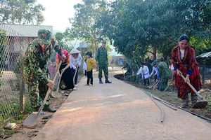 Quân khu 2 tăng cường xây dựng cơ sở chính trị địa bàn