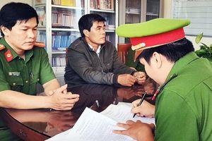 Cách hết chức vụ trong Đảng một Phó Chủ tịch huyện